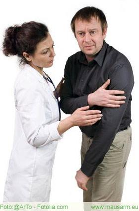 Mausarm Schmerzen können bis in den Oberarm hinein ziehen
